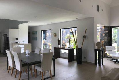 Villa à Grand Baie - salle à manger - PLEION Private Services