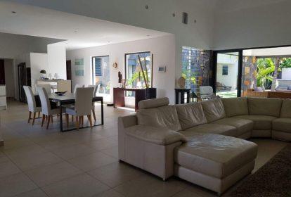 Villa à Grand Baie - intérieur séjour - PLEION Private Services