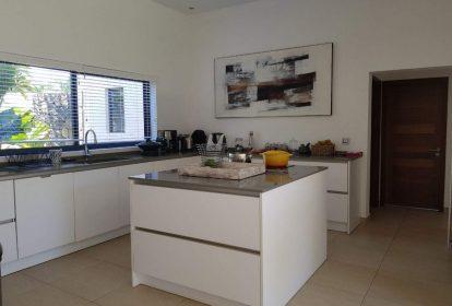 Villa à Grand Baie - cuisine - PLEION Private Services